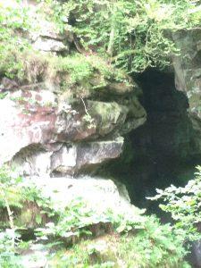 Cave details Roslin Glen